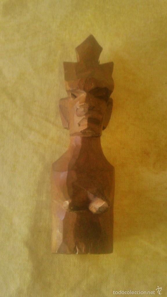 PEQUEÑA ESCULTURA AFRICANA TALLADA EN MADERA NOBLE. (Arte - Étnico - África)