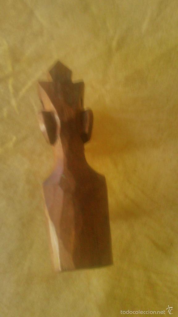 Arte: Pequeña escultura africana tallada en madera noble. - Foto 3 - 58804106