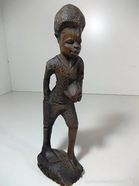 PRECIOSA TALLA EN MADERA AUSTRALIANA DE UN NIÑO (Arte - Étnico - Oceanía)