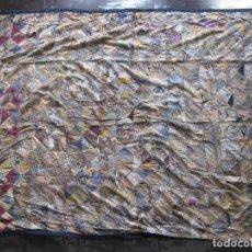 Arte: COLCHA DE PATCHWORK CON RETALES DE TELA DE BATIC ARTESANÍA DE INDONESIA, BALI. Lote 62335888