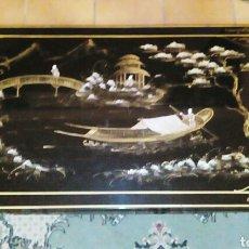 Arte: MESA CHINA. MADERA NOBLE, CHAROLADA EN NEGRO. PINTADA A MANO, CON MOTIVOS ORIENTALES.. Lote 66024117