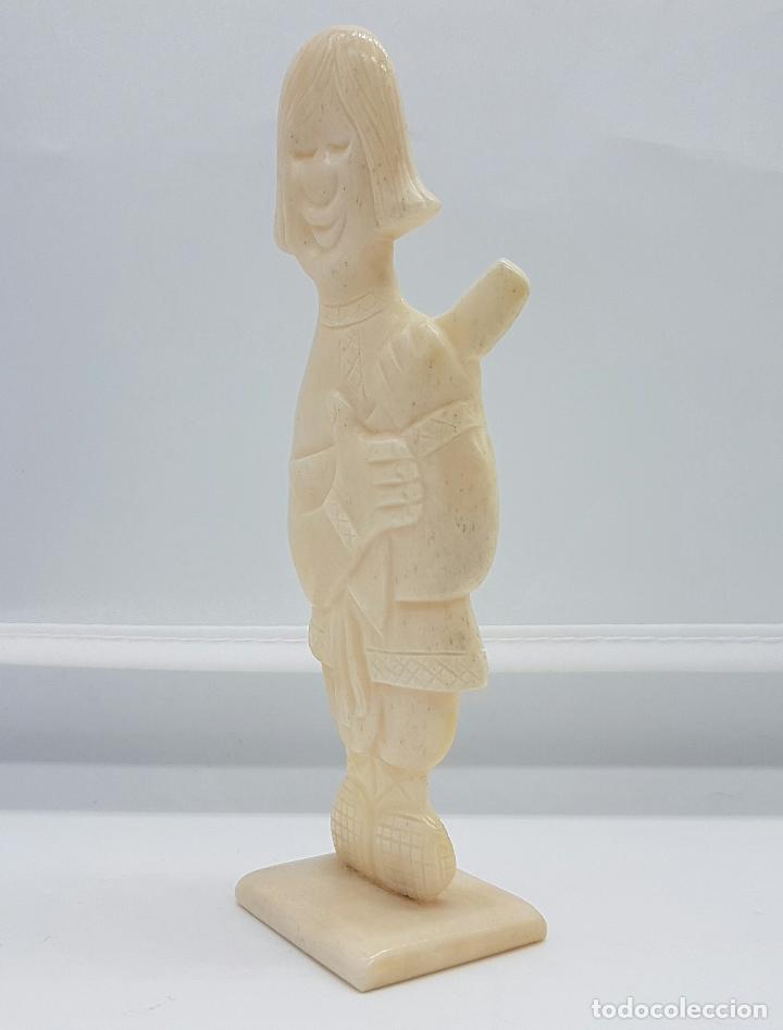 Arte: Escultura antigua de musico Ruso en marfil tallado y pulido a mano . - Foto 2 - 68362377