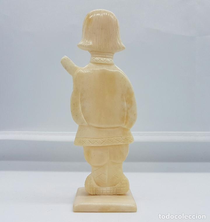 Arte: Escultura antigua de musico Ruso en marfil tallado y pulido a mano . - Foto 3 - 68362377