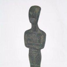 Arte: PEQUEÑA ESCULTURA DE BRONCE / METAL - FIGURITA AFRICANA - ALTURA 15,5 CM. Lote 75493631