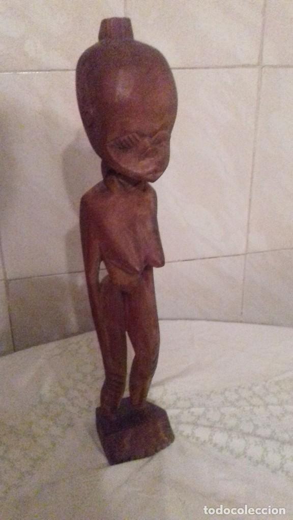 ESCULTURA DE MUJER NATIVA AFRICANA,TALLADA EN MADERA. (Arte - Étnico - África)