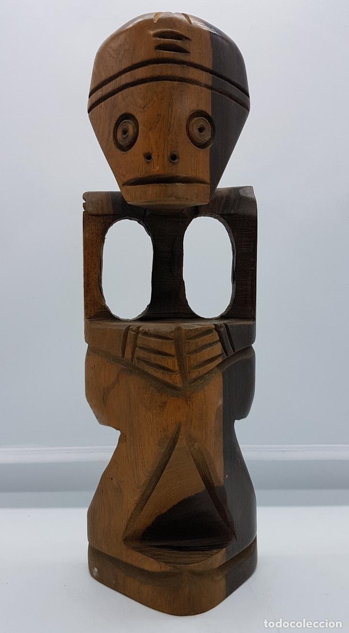 ESCULTURA TALLADA EN MADERA DE RIO HECHA A MANO EN REPÚBLICA DOMINICANA, PUNTA CANA (Arte - Étnico - América)