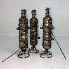 Arte: SET DE 3 FRASCOS DE KHOL. METAL BLANCO. PLATEADO. INDIA. CIRCA 1920. Lote 82629840