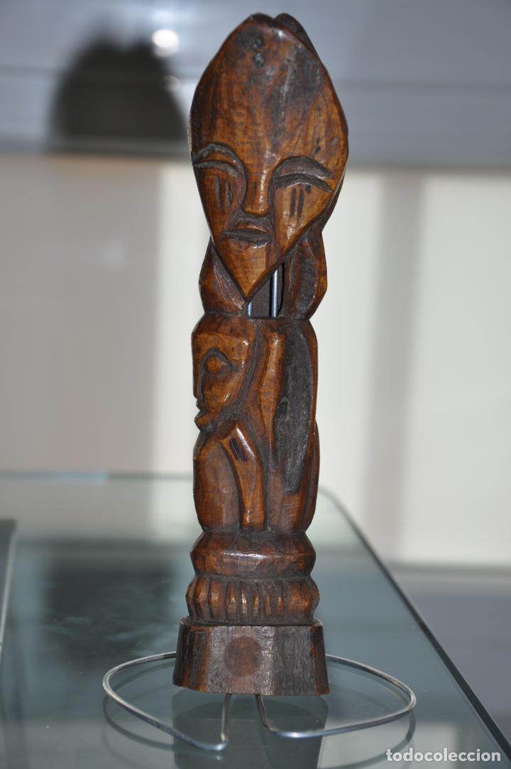 African Carved Stained Bone Totem Pole Ceremo Buy Antique Ethnic Art From Africa At Todocoleccion 83549468