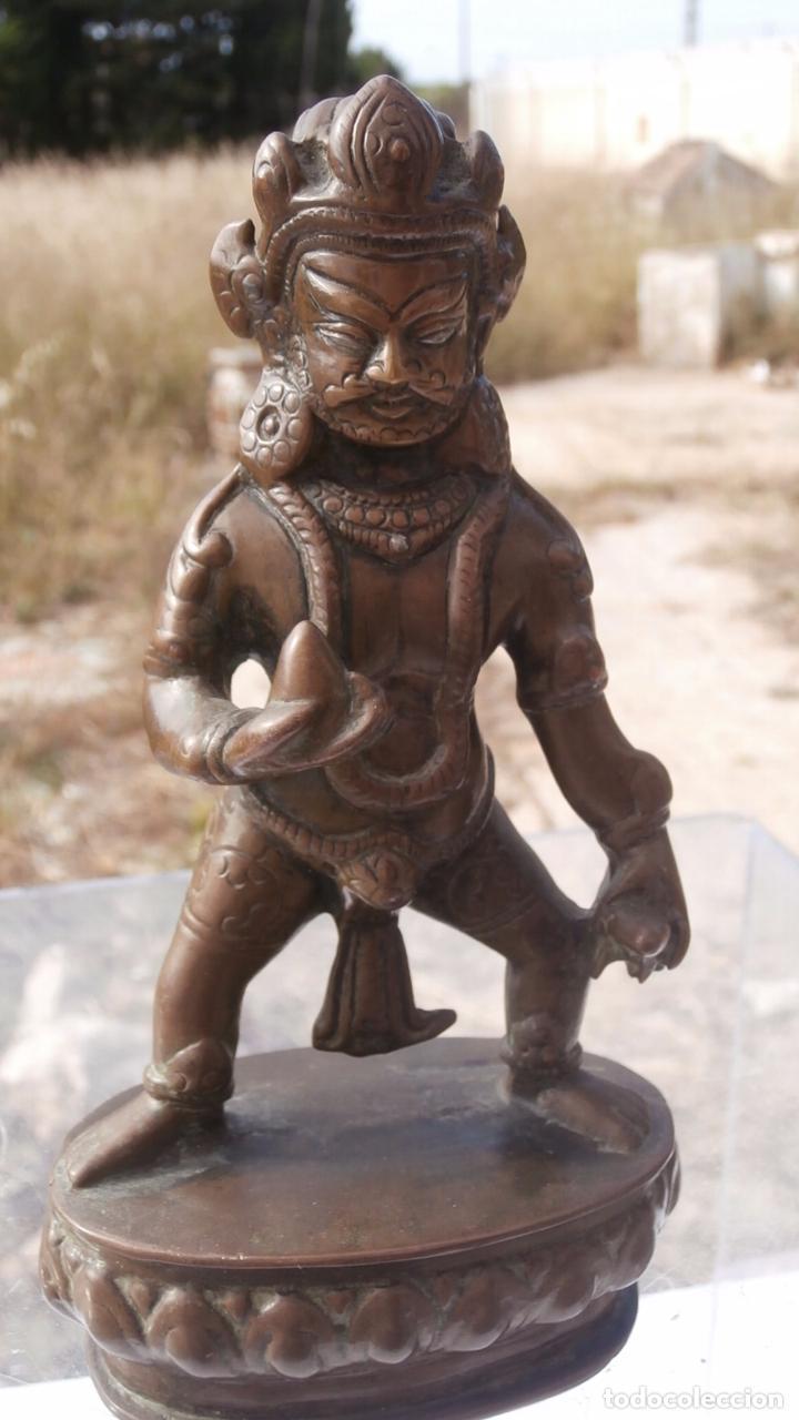 DIOS TIBETANO DE SIGLO XIX EN BRONCE MACIZO (Arte - Étnico - Asia)