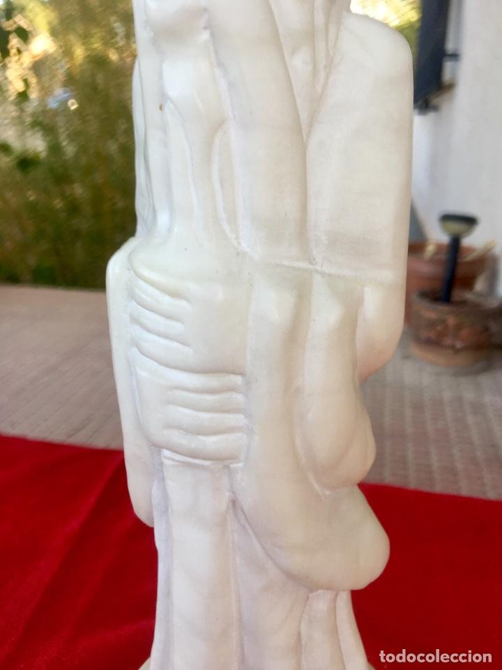 Arte: Figura talla alabastro sabio chino oriental años 60 España con base en alabastro 32x10cm - Foto 9 - 88378316