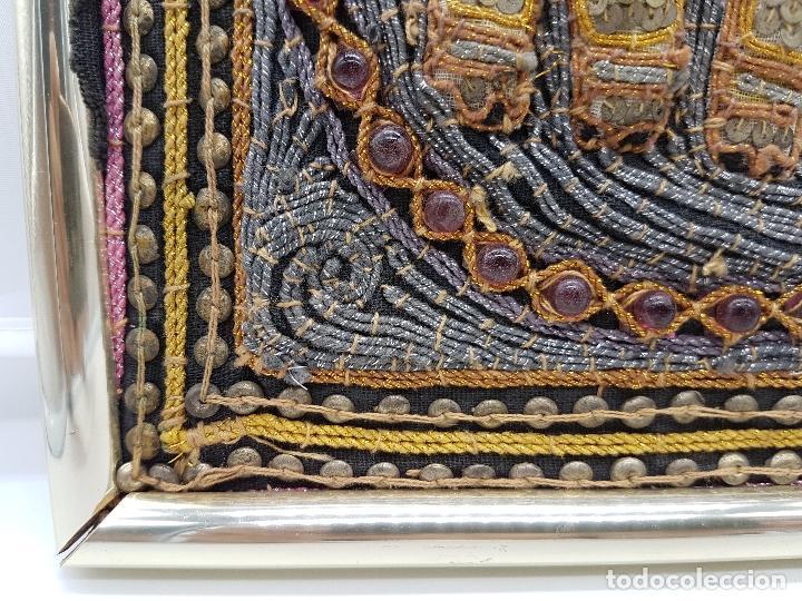 Arte: Precioso cuadro hecho artesanalmente en Kuala Lumpur Malasia elefante de lentejuelas, chakiras... - Foto 6 - 89625328