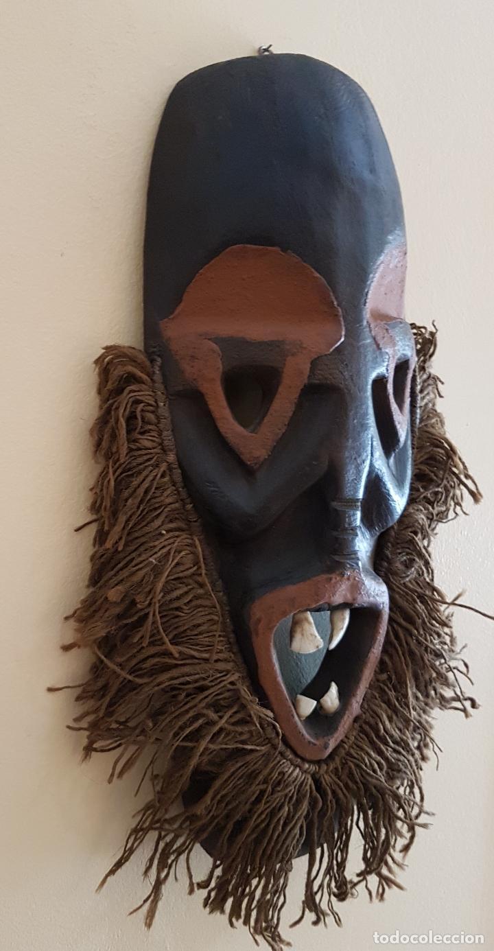 Arte: Mascara antigua de la tribu africana Himba en madera y dientes autenticos, para rituales y vudú . - Foto 4 - 93868105