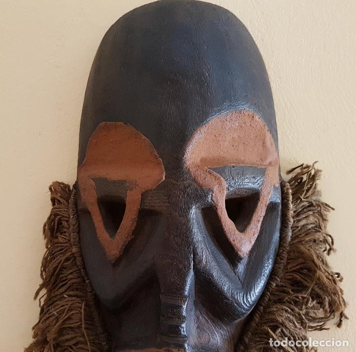 Arte: Mascara antigua de la tribu africana Himba en madera y dientes autenticos, para rituales y vudú . - Foto 5 - 93868105