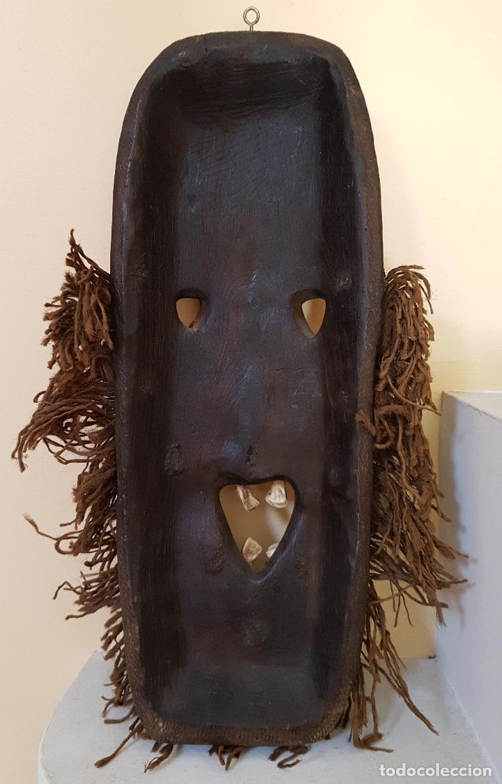 Arte: Mascara antigua de la tribu africana Himba en madera y dientes autenticos, para rituales y vudú . - Foto 7 - 93868105