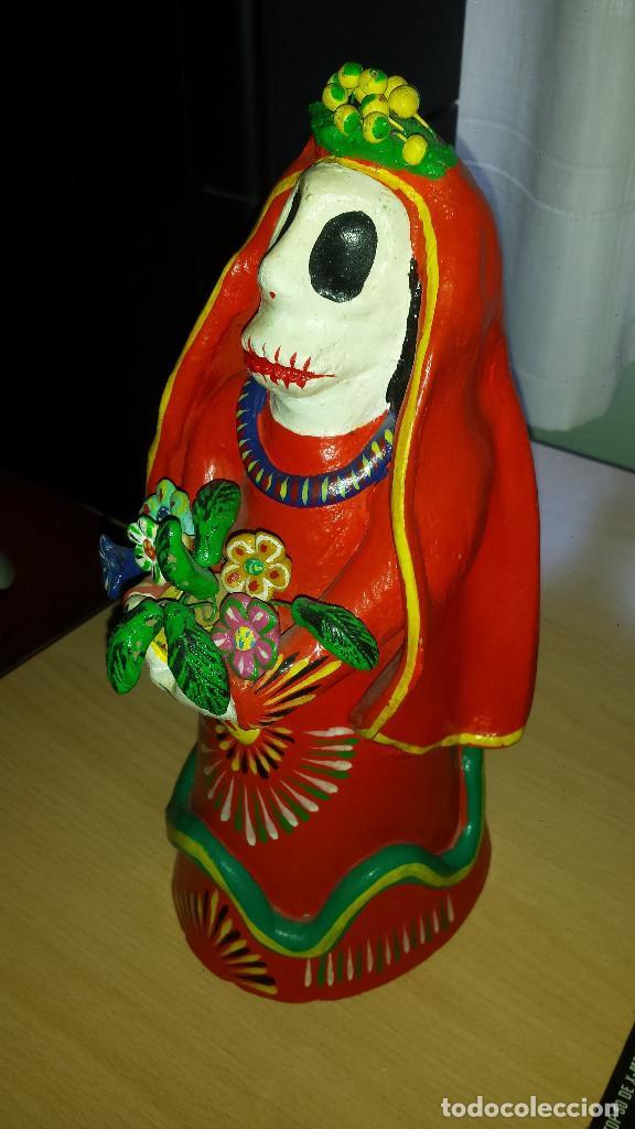 FIGURA FIGURA EN ARCILLA O SIMILAR DE LA CATRINA (LEYENDA MEXICANA) DE PORT-AVENTURA. 30CM DE ALTO (Arte - Étnico - América)
