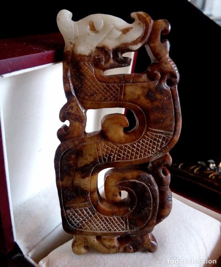 MAGNIFICA PIEZA DE DRAGON TALLADO EN JADE NATURAL - 100 GRAMOS. (Arte - Étnico - Asia)