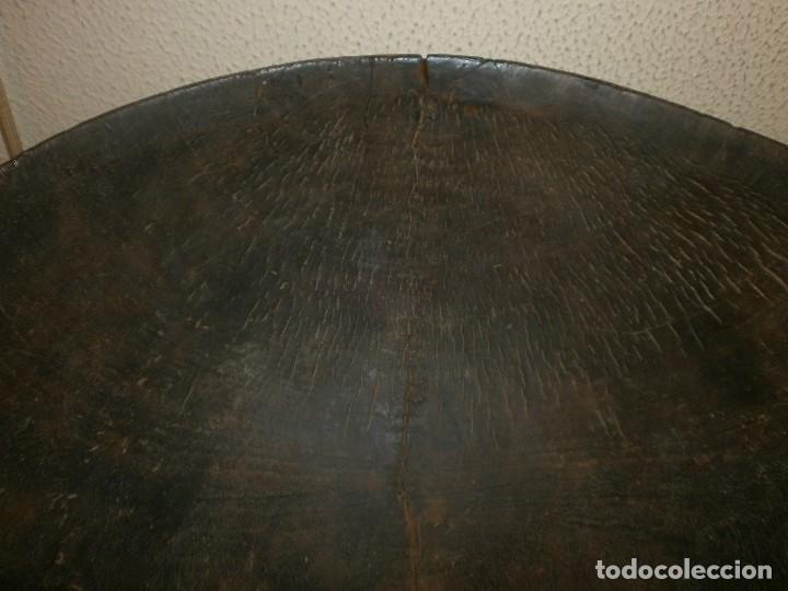 Arte: Fuente antigua cuenco de madera tallada con lañas artesanía Africana diámetro 38 cm. altura 18 cm. - Foto 4 - 99685175