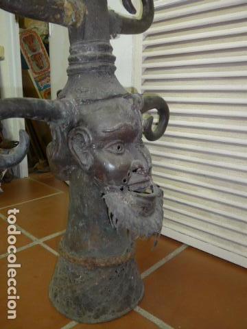 Arte: Gigante escultura antigua de bronce africano, original, dos caras distintas, africa. +1 metro alto. - Foto 3 - 102488595