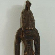 Arte: ESCULTURA AFRICANA DE MADERA TALLADA. Lote 109464739