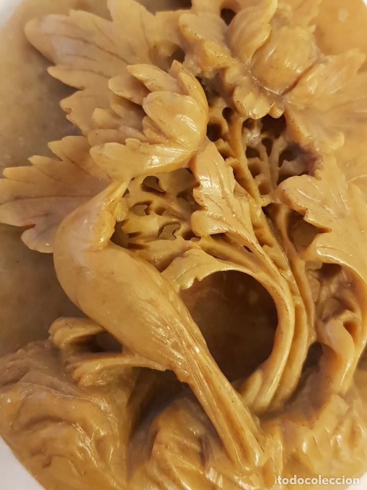 Arte: Escultura china de piedra jabón o esteatita. Pajarillo con flora. Siglo XX - Foto 5 - 112381751