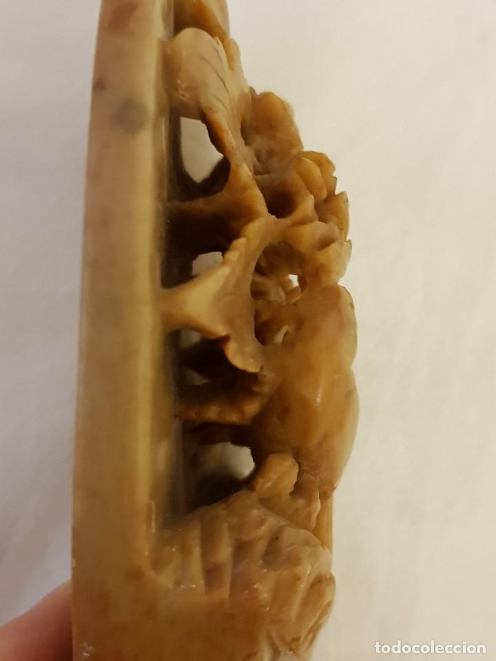 Arte: Escultura china de piedra jabón o esteatita. Pajarillo con flora. Siglo XX - Foto 7 - 112381751