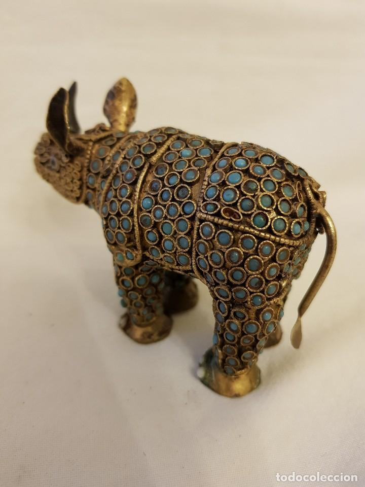 Arte: Rinoceronte oriental de latón y turquesa. Siglo XX - Foto 5 - 112478623