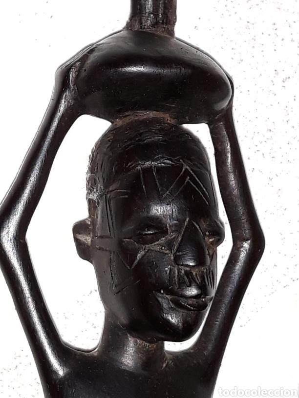 TALLA MADERA DURA MUJER AFRICANA (Arte - Étnico - África)