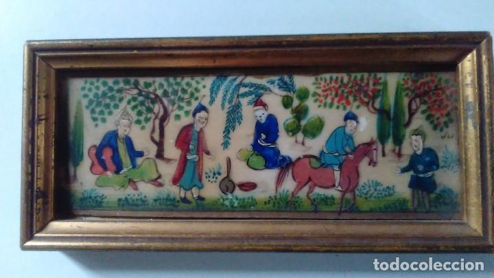 Arte: Antigua pintura miniatura oriental sobre marfil. Personajes en un jardín - Foto 3 - 114349655