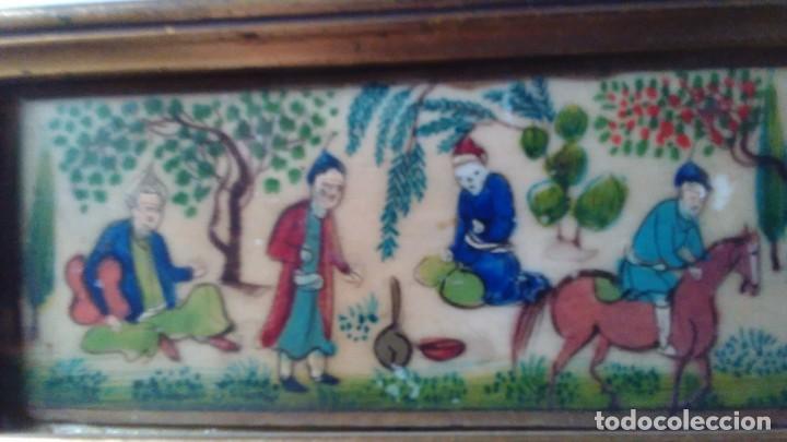 Arte: Antigua pintura miniatura oriental sobre marfil. Personajes en un jardín - Foto 4 - 114349655