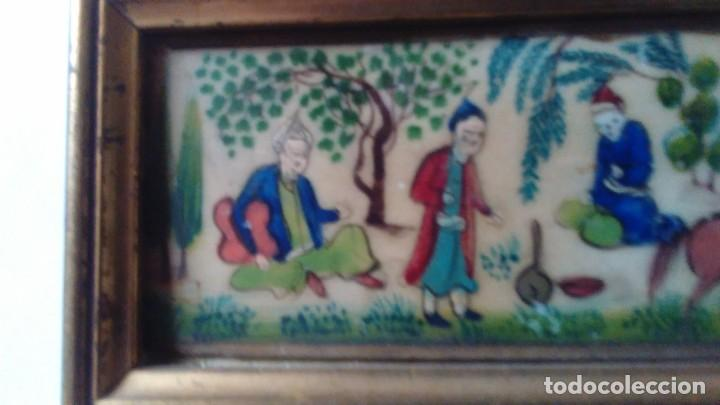 Arte: Antigua pintura miniatura oriental sobre marfil. Personajes en un jardín - Foto 6 - 114349655