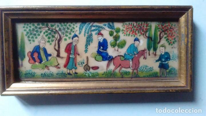 Arte: Antigua pintura miniatura oriental sobre marfil. Personajes en un jardín - Foto 11 - 114349655