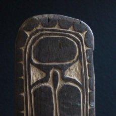 Arte: SOPORTE PARA CANOA DEL LAGO CHAMBRI. PAPUA NUEVA GUINEA. 31 CM. Lote 115908171