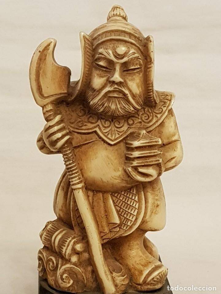 Arte: Guerrero y anciano. Arte chino. Marfilina. Años 60-70 - Foto 2 - 117868439