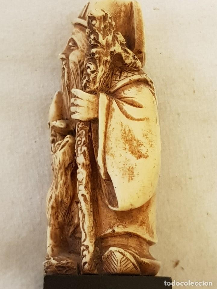 Arte: Guerrero y anciano. Arte chino. Marfilina. Años 60-70 - Foto 9 - 117868439