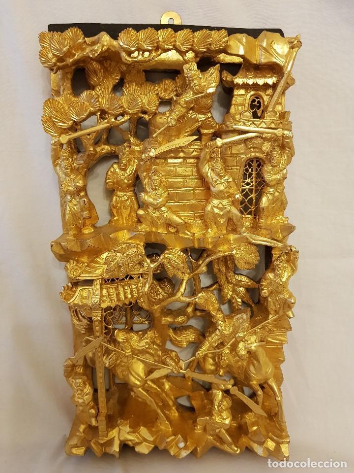 PANEL CHINO DE MADERA DORADA. SIGLO XX (Arte - Étnico - Asia)
