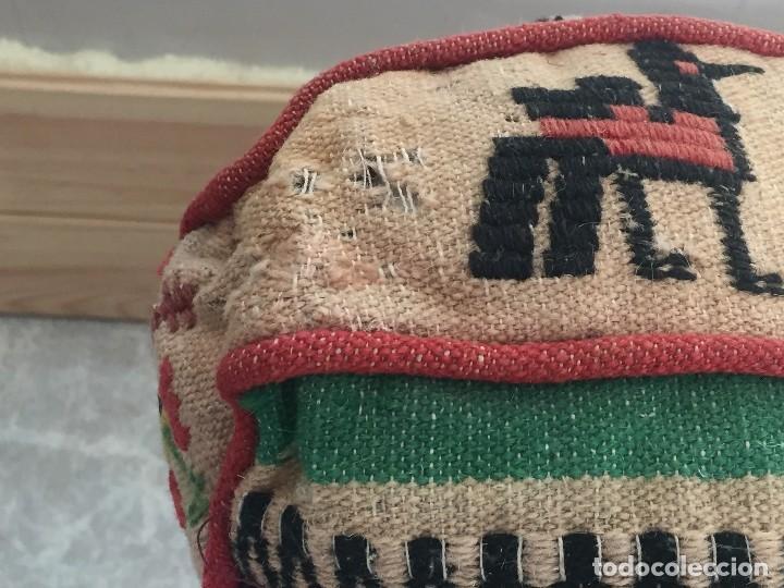 Arte: COJIN MEXICO ANDINO LANA BORDADA TELAR BOLIVIA PERU ECUADOR AMERICA LATINA PPIO S XX 52X52X15CMS - Foto 5 - 119019359