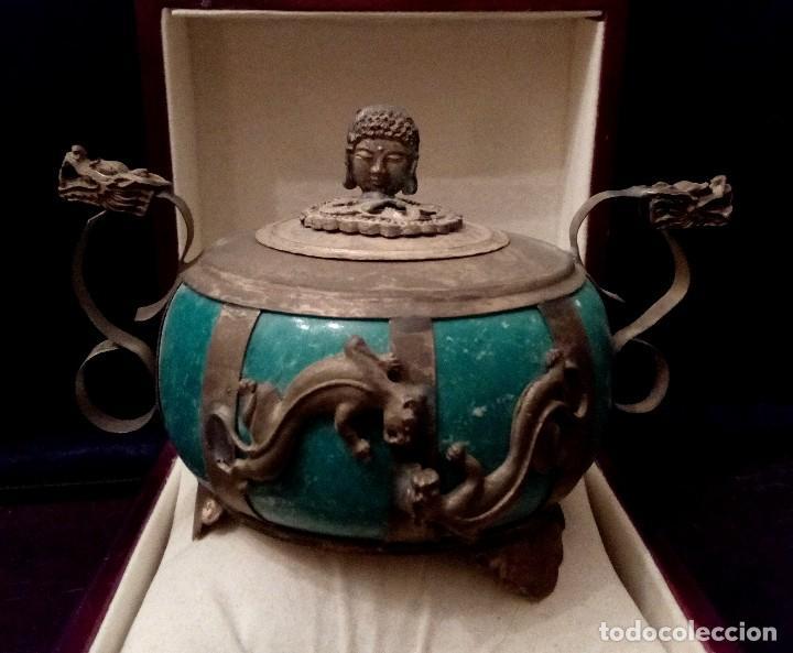 INCENSARIO CHINO EN JADE Y PLATA TIBETANA CON PANTERAS Y BUDA - 233 GRAMOS. (Arte - Étnico - Asia)