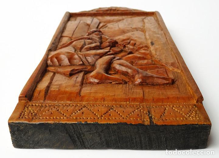 Arte: PRECIOSA TABLA DE MADERA TALLADA ARTE COLONIAL MOTIVO MÚSICO FLAUTA MEDIADOS S.XX URUGUAY - Foto 4 - 119658003