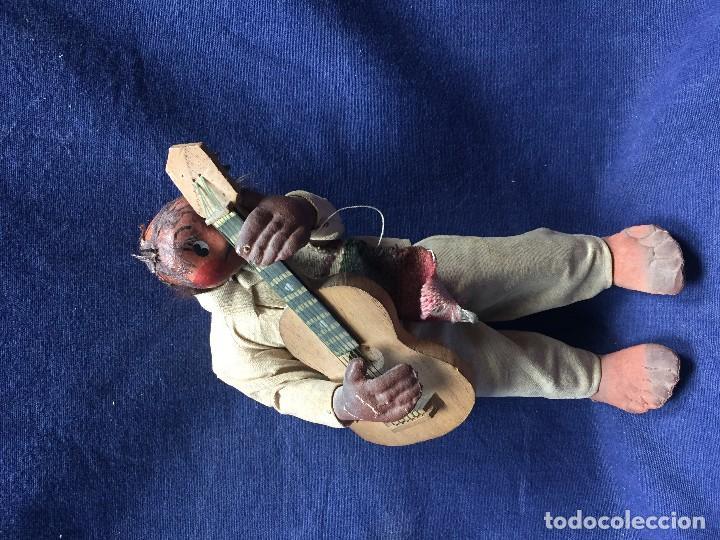 Arte: muñeco mejicano mariachi guitarrista barro tela madera guitarra 1a mitad s xx 25x11cms - Foto 3 - 122103827