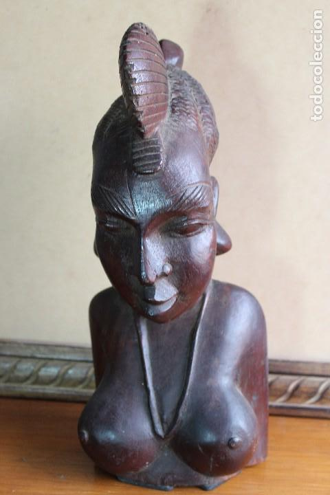 Arte: TALLA BUSTO EN MADERA AFRICANA MUJER, SENEGAL 34 cm AFRICAN WOOD CARVING - Bust Portrait of a Woman - Foto 2 - 123330167