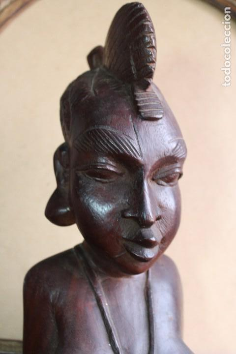 Arte: TALLA BUSTO EN MADERA AFRICANA MUJER, SENEGAL 34 cm AFRICAN WOOD CARVING - Bust Portrait of a Woman - Foto 4 - 123330167