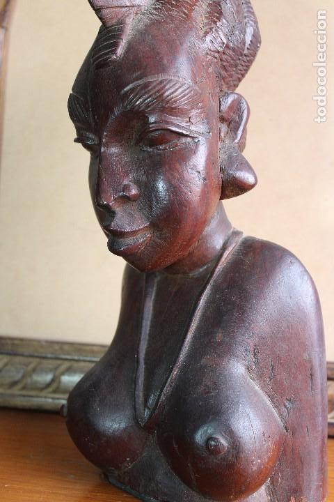 Arte: TALLA BUSTO EN MADERA AFRICANA MUJER, SENEGAL 34 cm AFRICAN WOOD CARVING - Bust Portrait of a Woman - Foto 9 - 123330167
