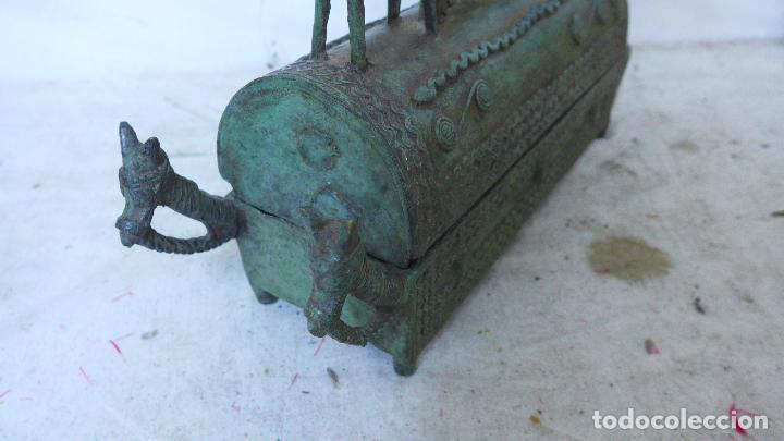 Arte: Antigua gran escultura africana de bronce, caja funebre, dogon de Africa. Original. - Foto 5 - 126196439