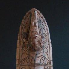 Arte: MASCARA DE MADERA NOBLE PROCEDENTE DE LA ZONA DEL LAGO EDEL, EN PAPUA NUEVA GUINEA.. Lote 127919151