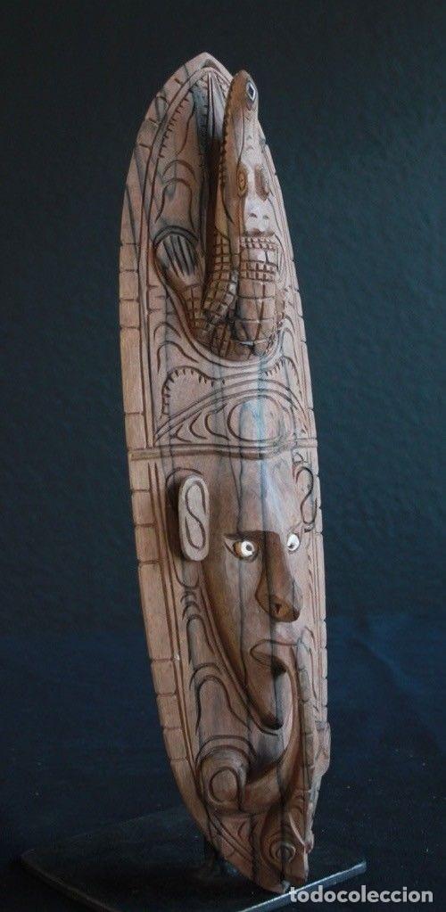 Arte: Mascara de madera noble Procedente de la zona del lago Edel, en Papua Nueva Guinea. - Foto 5 - 127919151