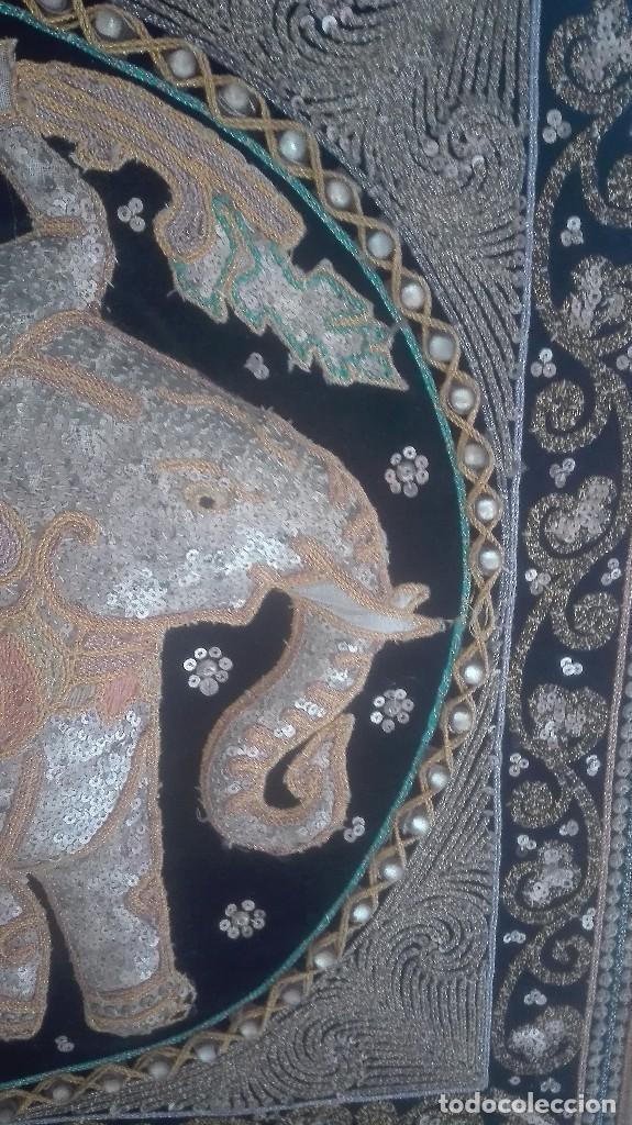 Arte: cuadro tapiz antiguo de la india bordado artesanalmente - Foto 5 - 129646371