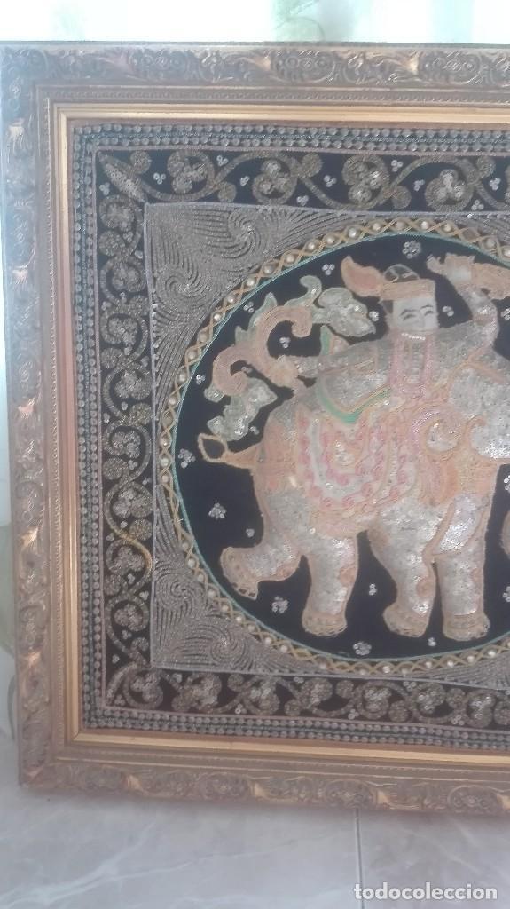 Arte: cuadro tapiz antiguo de la india bordado artesanalmente - Foto 7 - 129646371