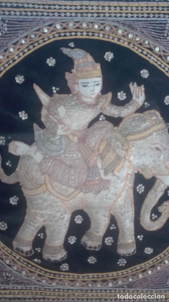 Arte: cuadro tapiz antiguo de la india bordado artesanalmente - Foto 3 - 129646535