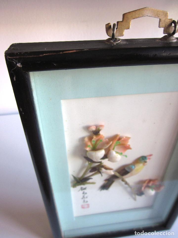 Arte: Antiguo cuadro oriental sobrerelieve nácar minerales esmaltado original medidados siglo XX - Foto 4 - 131144928
