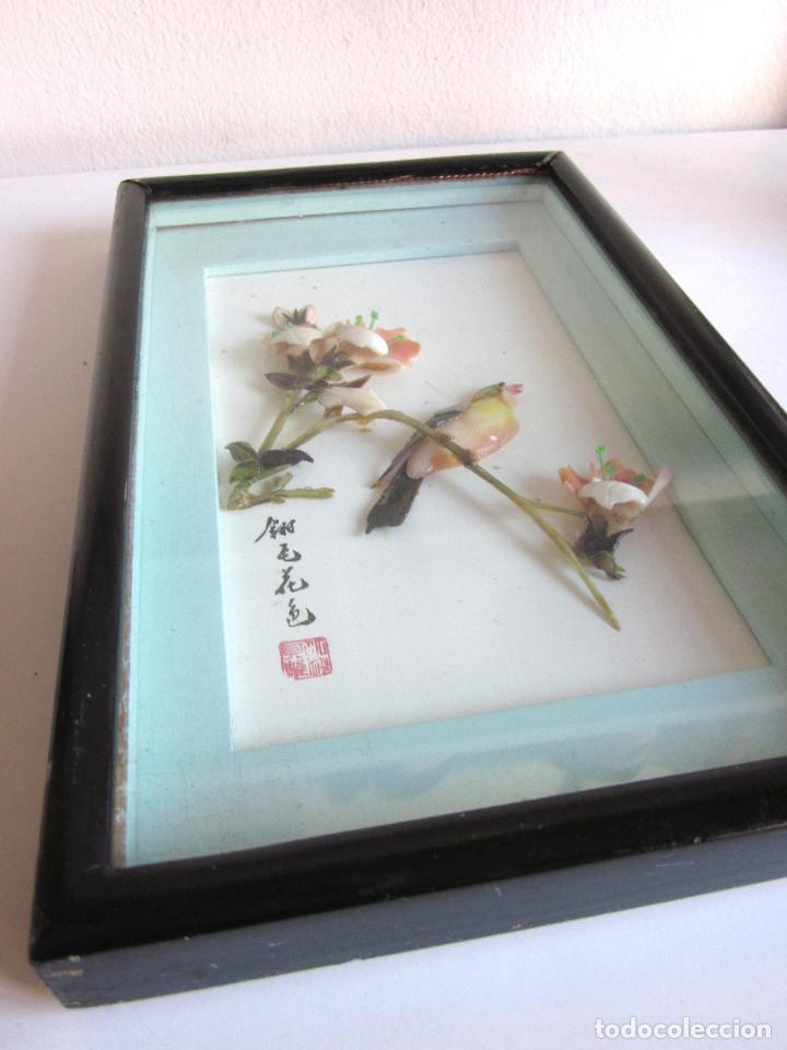 Arte: Antiguo cuadro oriental sobrerelieve nácar minerales esmaltado original medidados siglo XX - Foto 6 - 131144928